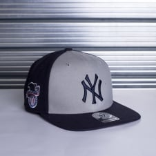 MLB NEW YORK YANKEES SURE SHOT ACCENT '47 CAPTAIN SNAPBACK CAP