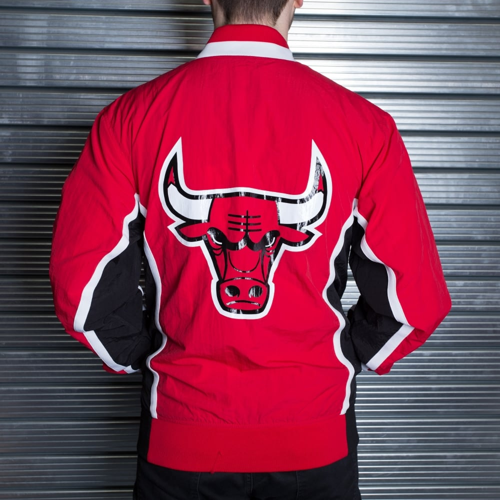 a991a2f3cb36b Mitchell & Ness NBA Chicago Bulls Red 1992-93 Authentic Warm Up ...