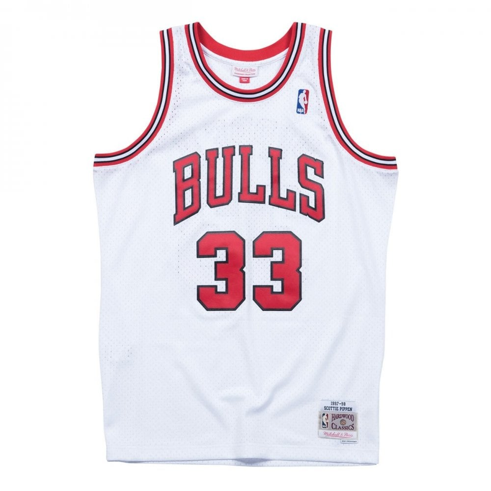 60bdfd6102e Mitchell   Ness NBA Chicago Bulls Scottie Pippen 1997-98 Swingman ...