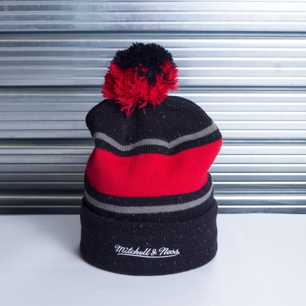fcac28ed443ab7 Mitchell & Ness NBA Chicago Bulls Speckled Cuff Pom Knit - Teams ...