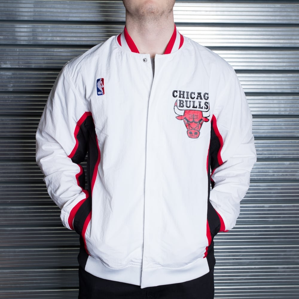 028994235426f Mitchell & Ness NBA Chicago Bulls White 1992-93 Authentic Warm Up Jacket