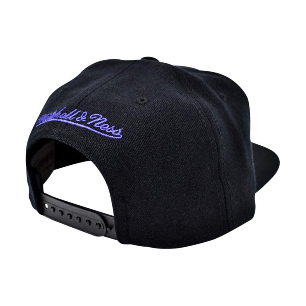 Mitchell   Ness NBA Los Angeles Lakers Wool Solid Snapback ... 7f9ea974ae4