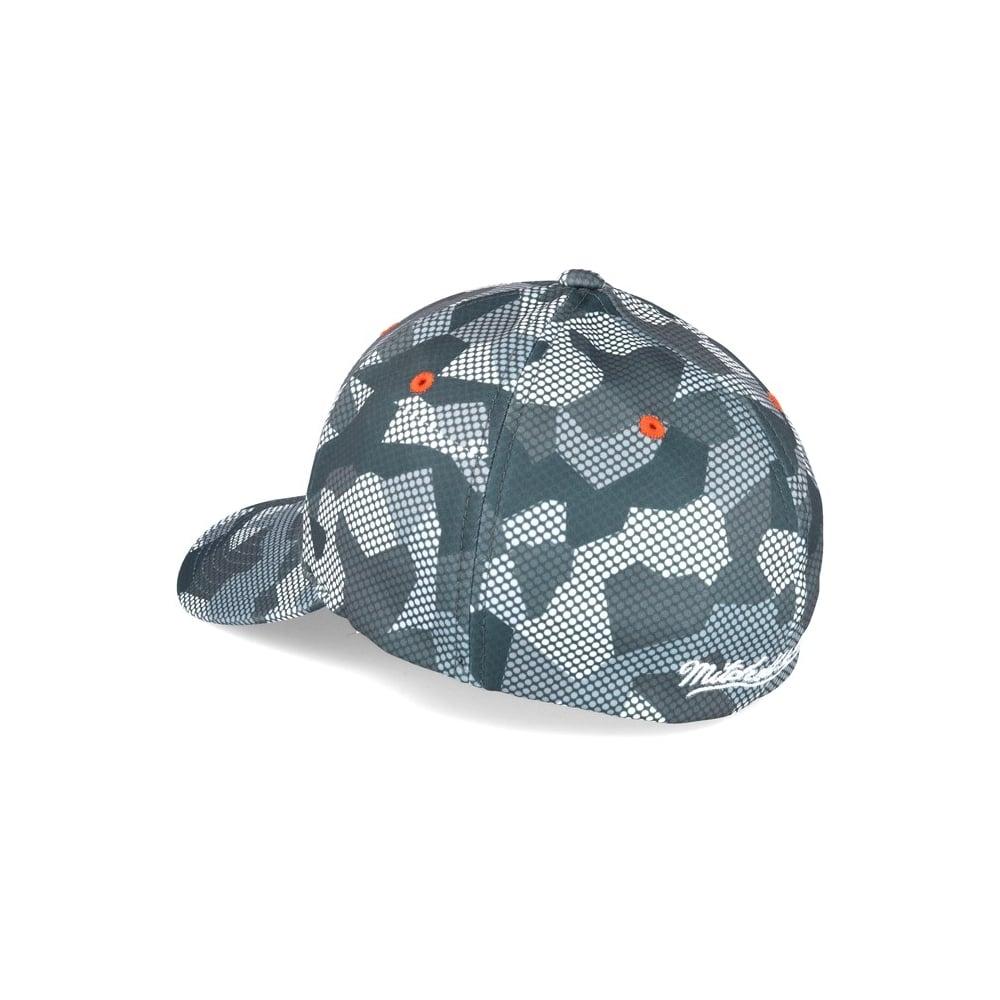 Mitchell   Ness NHL Anaheim Ducks Carbon Camo Slouch Flexfit Cap ... 08702f7a688f