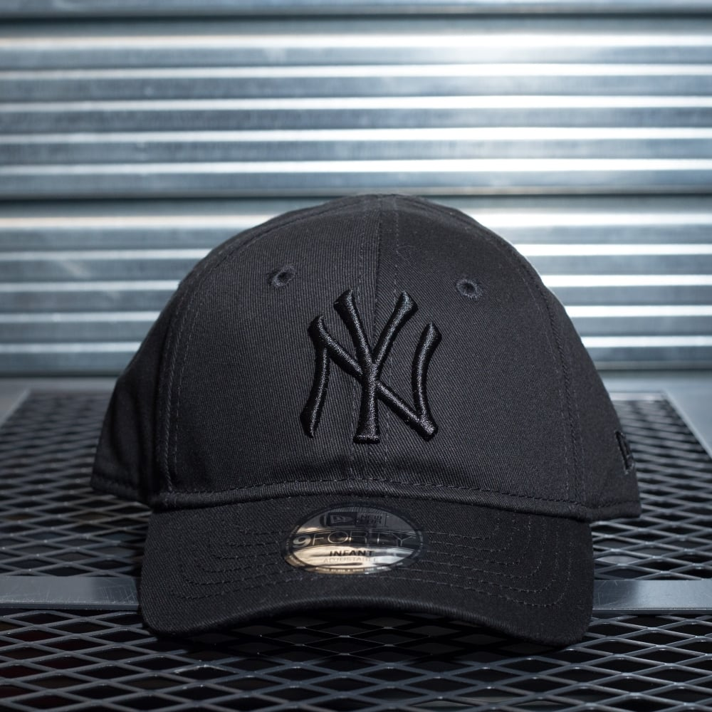 New Era MLB New York Yankees 9forty Essential Infant Adjustable Cap ... 699354dec2a