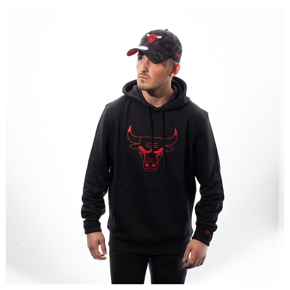 40b2623de5a New Era NBA Chicago Bulls Pop Logo Hood - Fan Wear from USA Sports UK