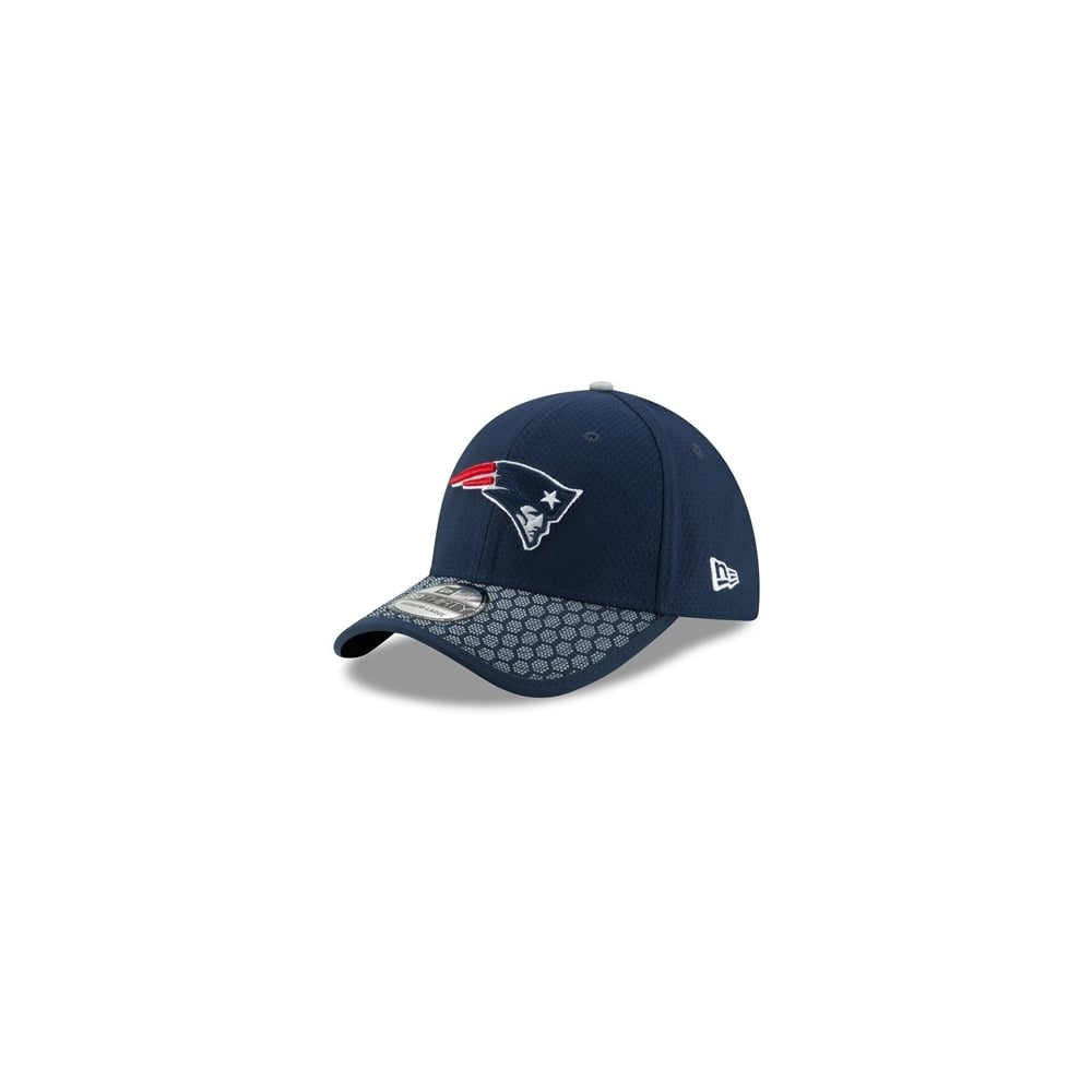 buy online 8e24a cb665 NFL New England Patriots 2017 Sideline 39Thirty Cap