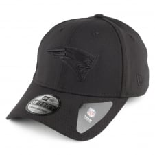 NFL New England Patriots Black On Black Poly 39Thirty Stretch Fit Cap