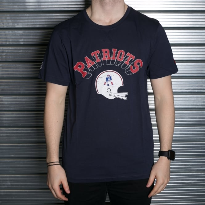 New Era NFL New England Patriots VTG Helmet T-Shirt