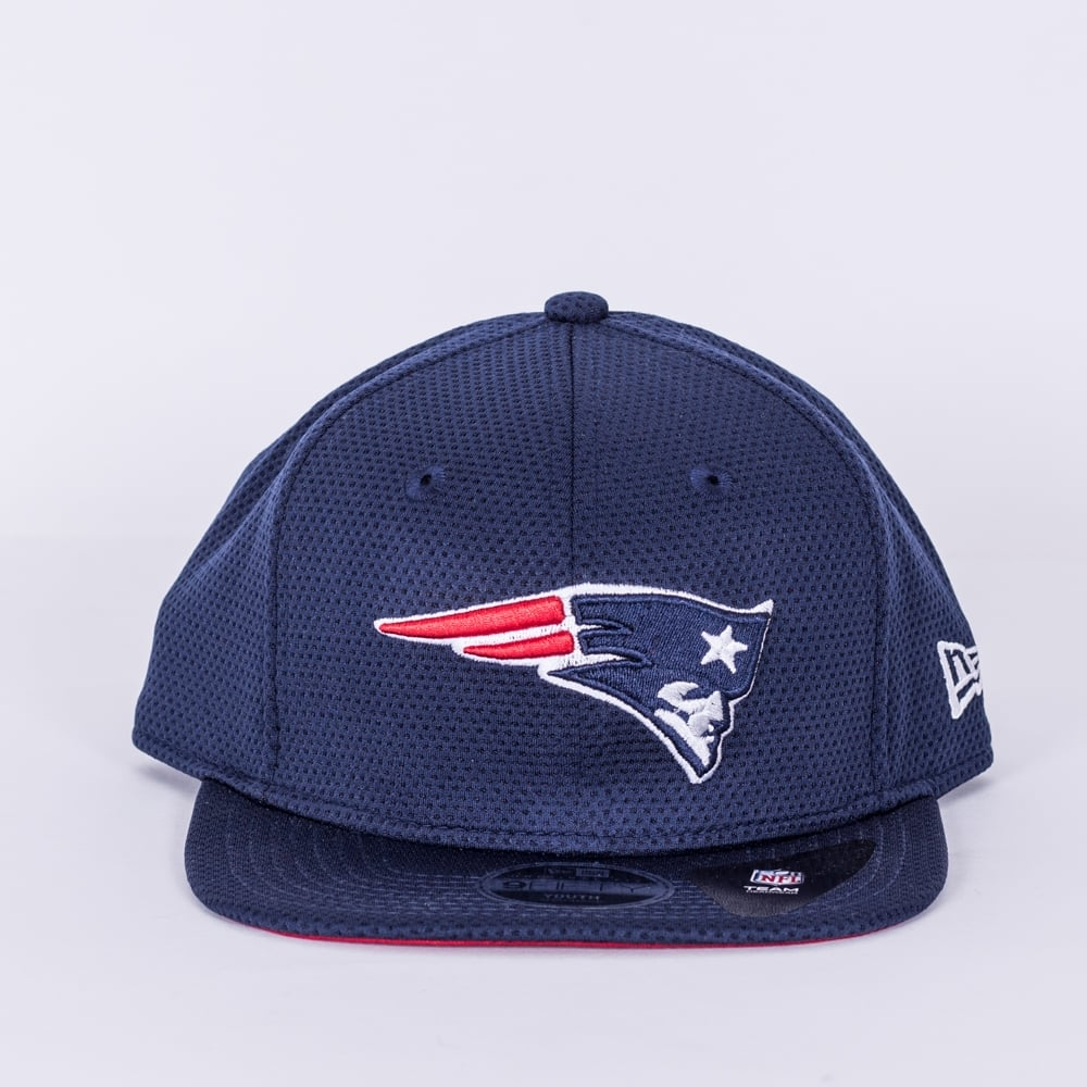 ac9c0ef6388 New Era NFL New England Patriots Youth Training Mesh 9Fifty Snapback ...