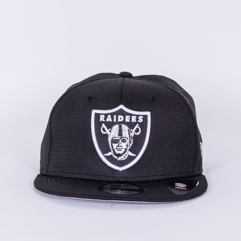 4df2f6c4162 New Era NFL Oakland Raiders Training Mesh 9Fifty Snapback Cap ...
