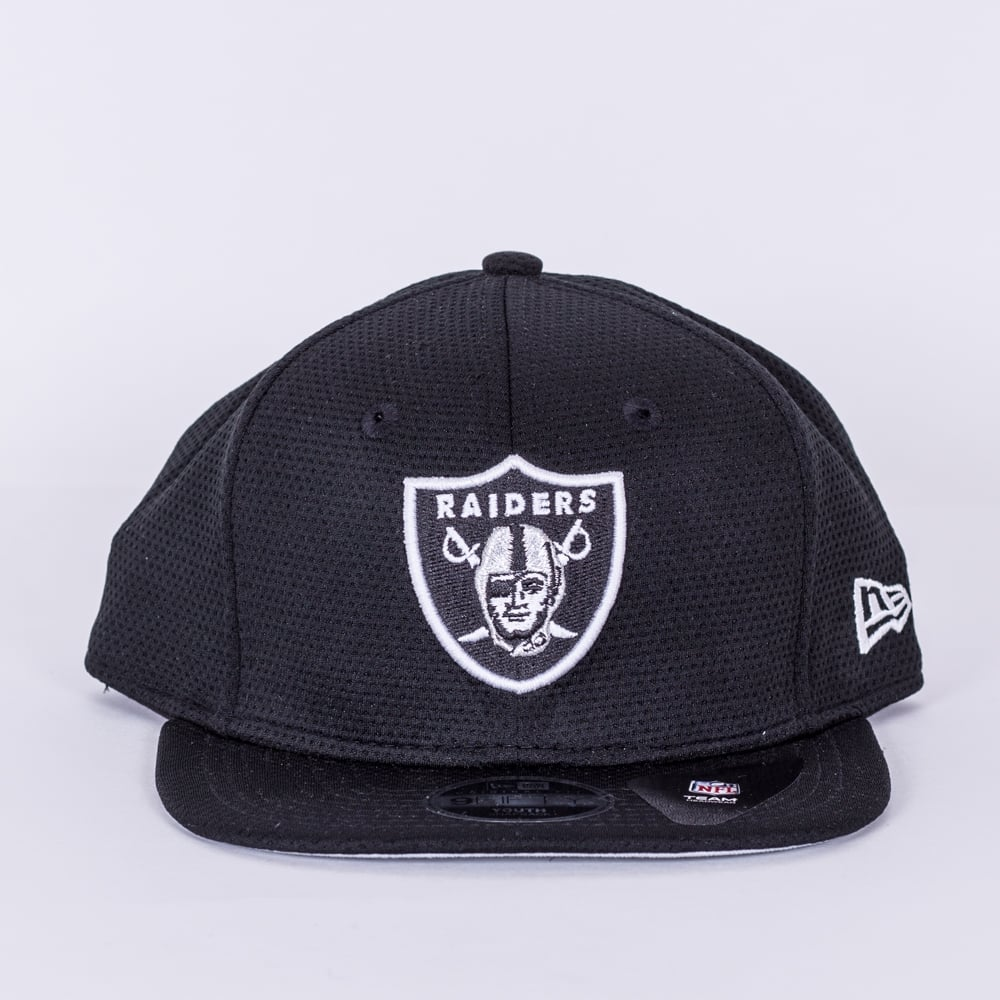 New Era NFL Oakland Raiders Youth Training Mesh 9Fifty Snapback Cap ... 45e6e125e4f